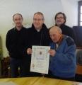 Remise de la bénédiction apostolique au Père Jean Dole, chanoine honoraire de la cathédrale